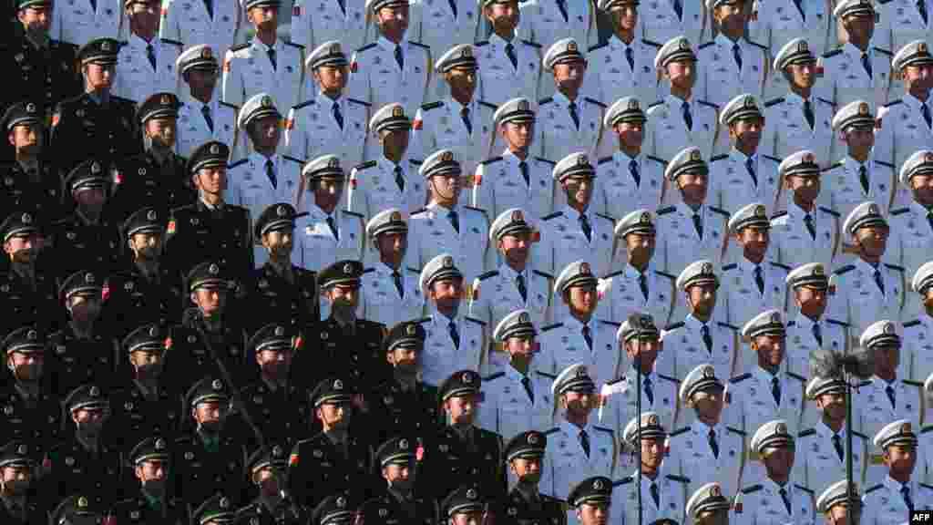 Народно-освободительная армия Китая считается самой большой армией в мире: ее личный состав превышает два миллиона военнослужащих