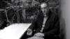"""""""Давайте еще Киркоров напишет песню про Холокост"""" – телеведущий Сергей Медведев о танце Навки в полосатой робе и со звездой Давида"""