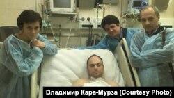 Кара-Мурза после первого отравления в 2015 году. Через 2,5 года его ждет еще одно покушение