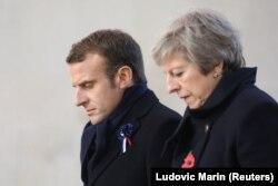 Тереза Мэй вместе с Макроном почтила память погибших британцев в пятницу