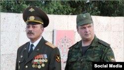 Полковник Игорь Красин и генерал-майор Алексей Завизьон на российской военной базе в Таджикистане