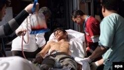 Турецкие медики в Килисе помогают раненым при обстрелах в сирийском Азазе