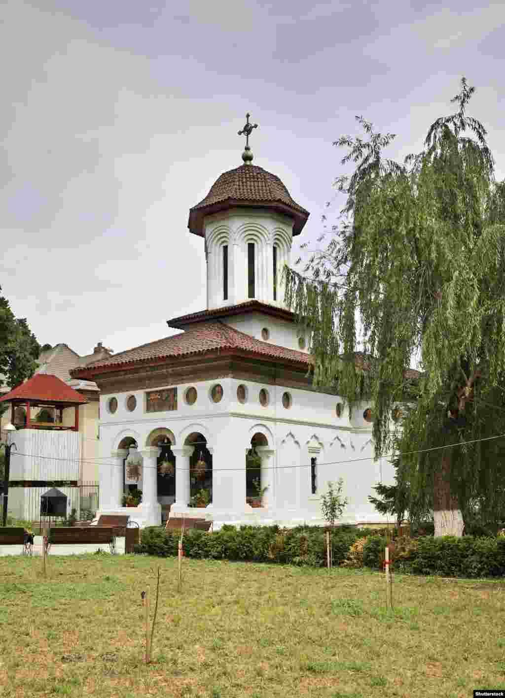 """Церковь святого Штефана также известна под названием """"Гнездо аиста"""""""