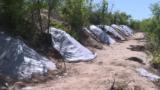 В Таджикистане могилы закрывают пластиком и копают про запас