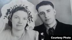 Свадебный снимок Янины Гринцевич и Михаила Сташко