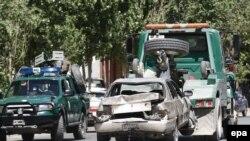 Машины, пострадавшие от взрыва в Кабуле