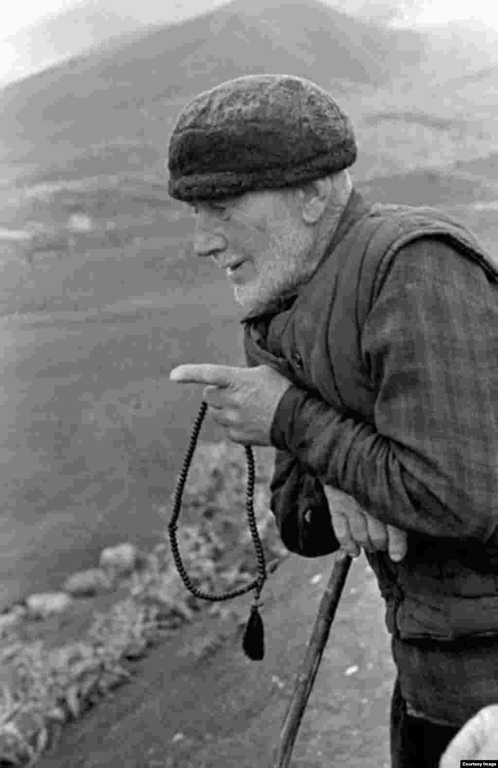 Пастух на озере Кезеной-Ам