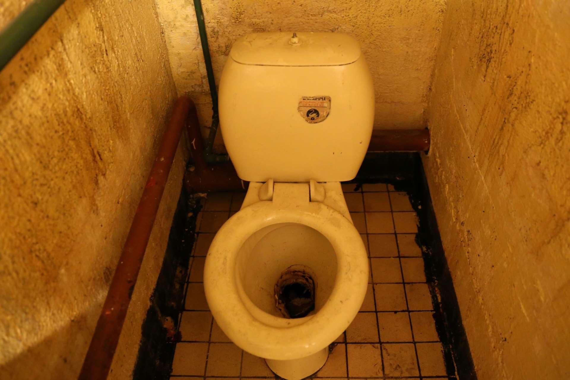 Туалет бункера «Явор 51». Во всех аналогичных укрытиях предусмотрен только один