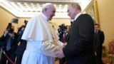 Что папа римский подарил Путину на самом деле?