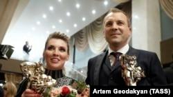 Телеведущие Россия 1 Ольга Скабеева и Евгений Попов, 2017 год