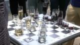 Белое против красного: в Грузии сыграли шахматный матч бокалами с вином