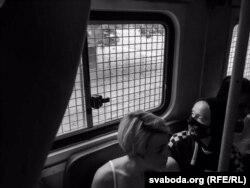 Задержанные в автозаке в Минске