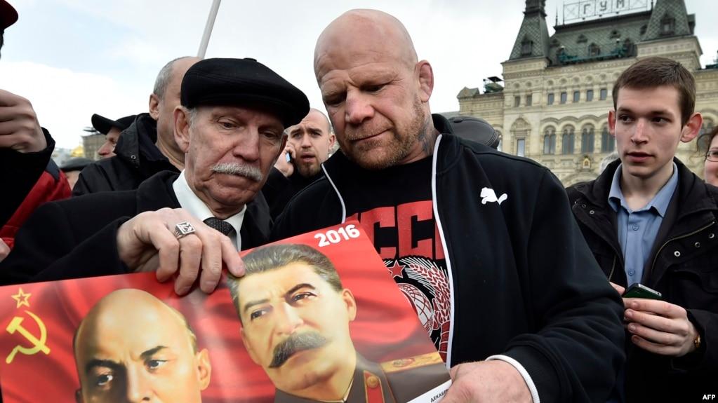 Монсон с двойником Ленина в Москве