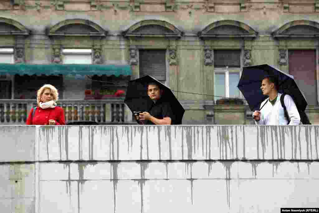 Жители Будапешта наблюдают за ситуацией с мигрантами настороженно, но без агрессии