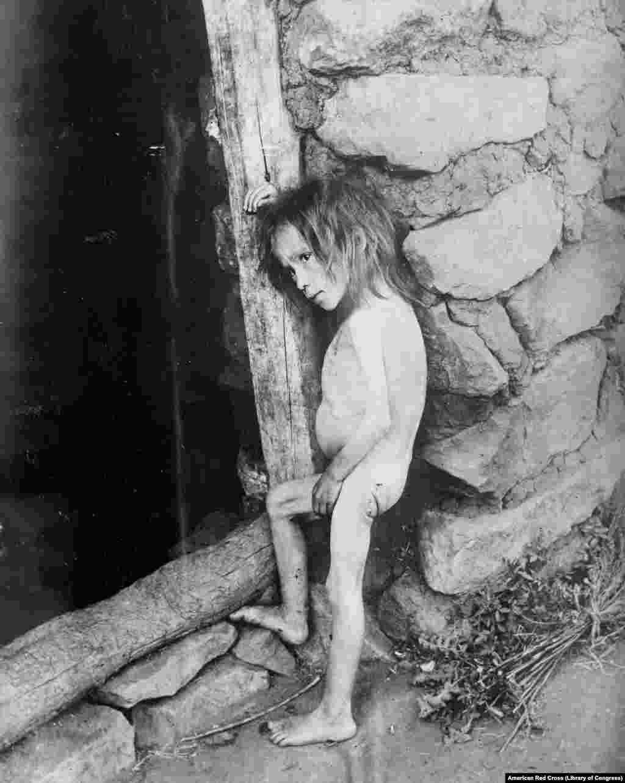 Семилетняя девочка в Самарской области, 1921 год