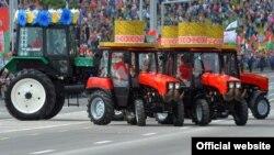 Парад тракторов в Минске. 3 июля 2017 года