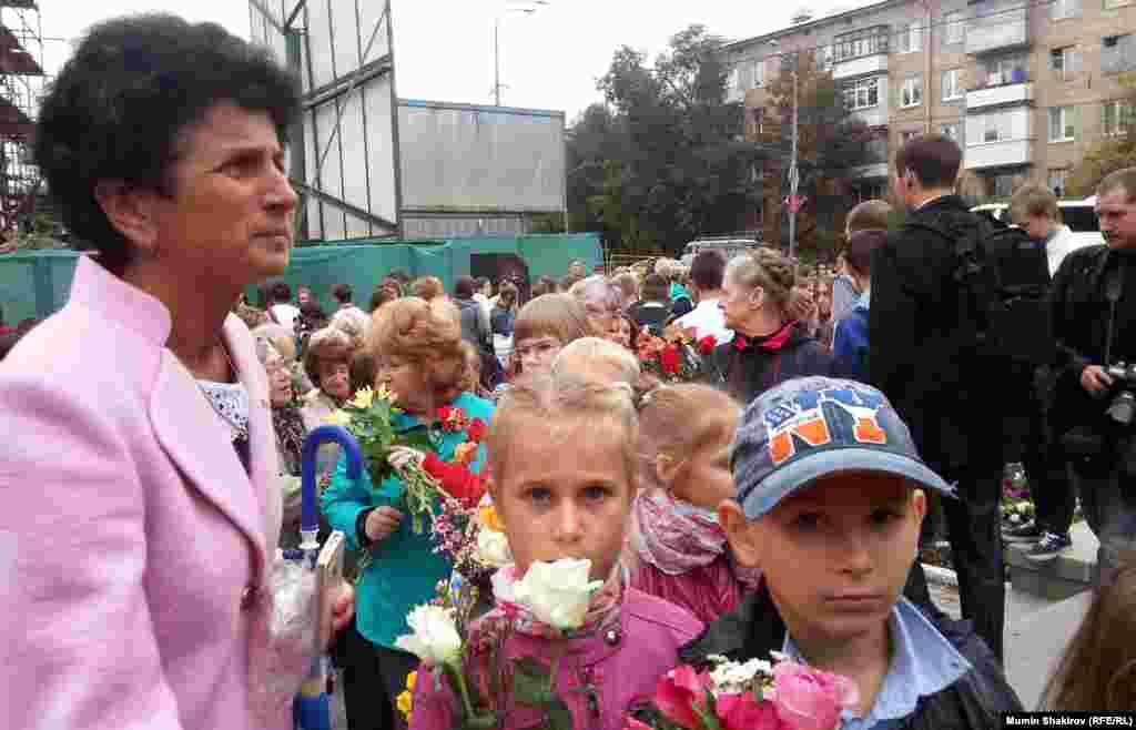"""Акция памяти у """"Театрального центра на Дубровке"""" 03.09.2014"""