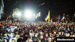 """Акция """"Ночь памяти"""" в честь жертв Майдана в Киеве, ноябрь 2014 г"""