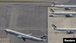 Самолеты гонконгской авиакомпании Cathay Pacific Airways