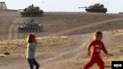 Турецкие танки на границе с Сирией