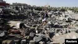 Разрушенный район вблизи аэропорта Саны, 26 марта 2015 года