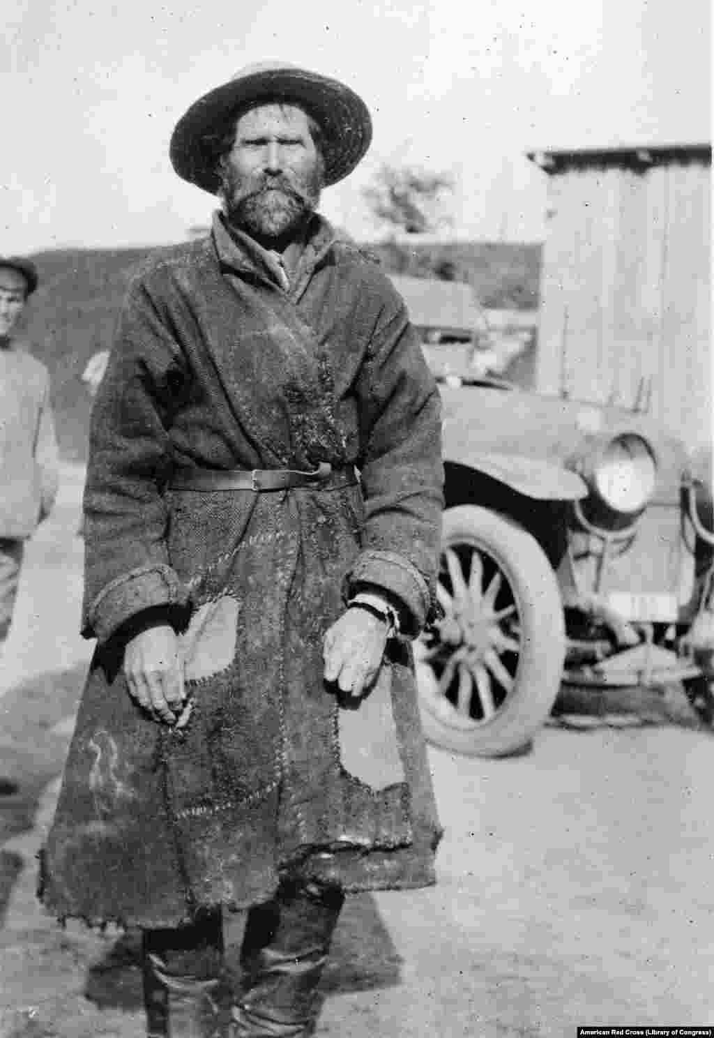 Взятый в плен солдат большевистской армии, 1919 год