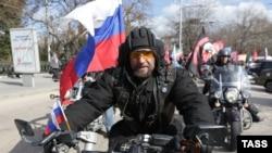 "Александр Залдостанов ""Хирург"" во время пробега в Севастополе, март 2015 года"