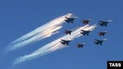 Многоцелевые истребители Су-27 и МиГ-29