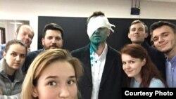 Алексей Навальный после нападения 27 апреля