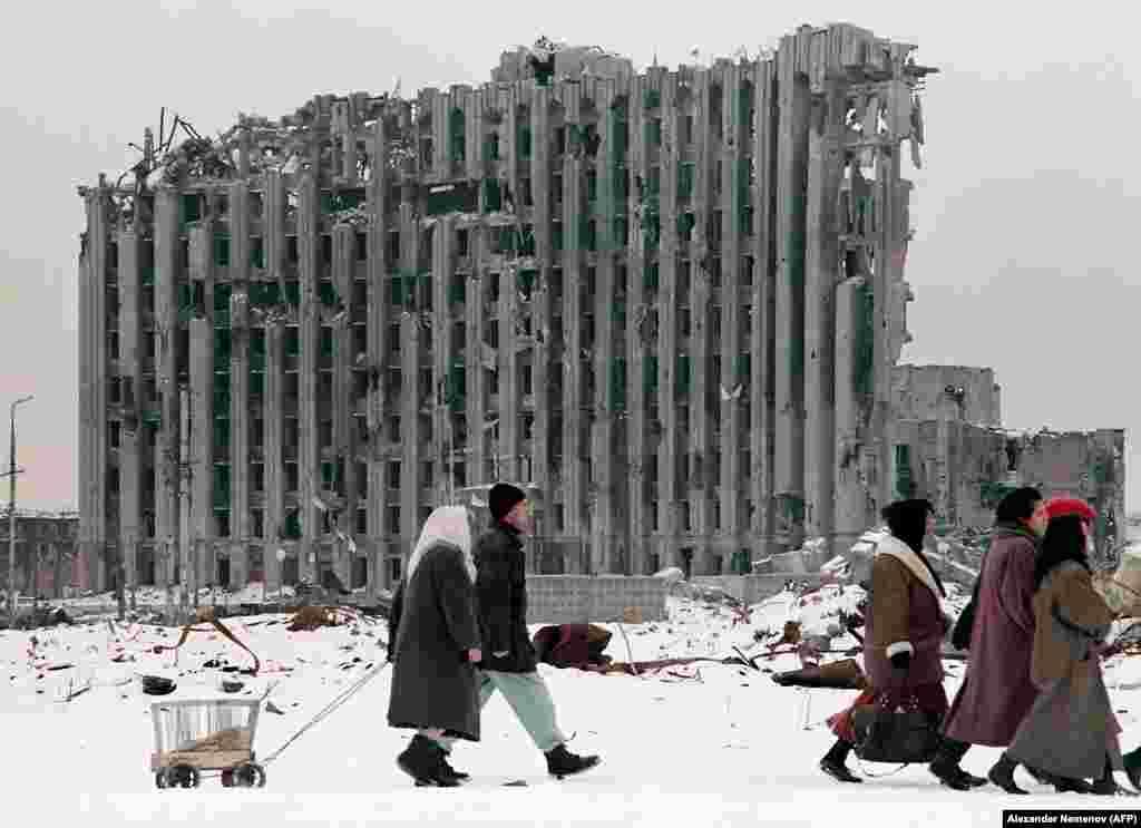 После войны от столицы Чечни остались руины, которые напоминали разрушенные города Европы после Второй мировой войны