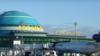 Казахстан: опаздывающие из-за бури пассажиры задержали самолет