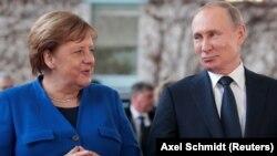 Путин с канцлером Германии Ангелой Меркель