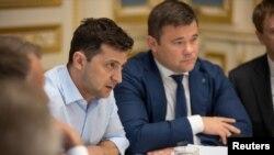 Президент Украины Владимир Зеленский и его советник по юридическим вопросам Андрей Богдан, 21 мая 2019