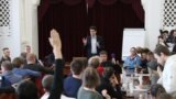 Екатеринбург: встреча с мэром и отчисление за участие в митинге