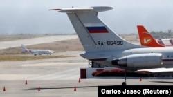 Самолет с российскими военными, прилетевший в Каракас 24 марта 2019 года