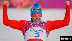 """Российский лыжник Алексей Легков, выигравший """"золото"""" в Сочи на дистанции 50 км"""