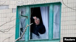 Житель Краматорска в доме, пострадавшем от обстрела 10 февраля