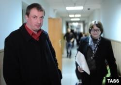 Юрий Шевченко-младший (слева) в Замоскворецком суде Москвы