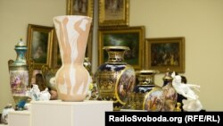 Предметы роскоши, принадлежавшие Виктору Януковичу, бывшему президенту Украины