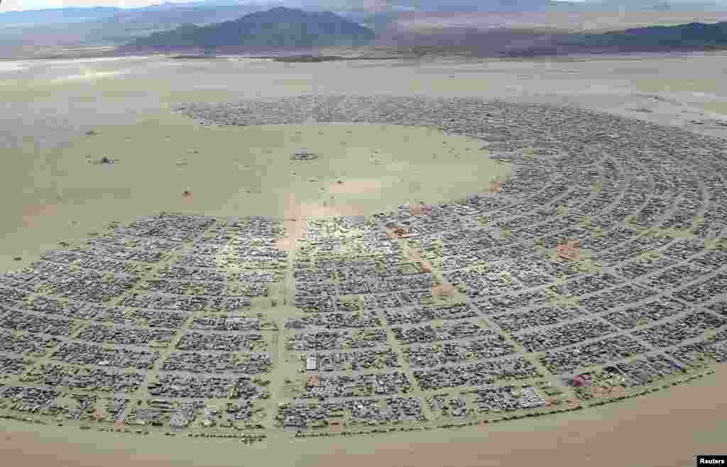 В этом году фестиваль посетили свыше 70 тысяч человек со всего мира