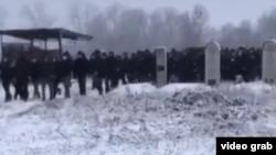 Предположительно, кадр видео с похорон Абдуллаха Анзорова в Чечне