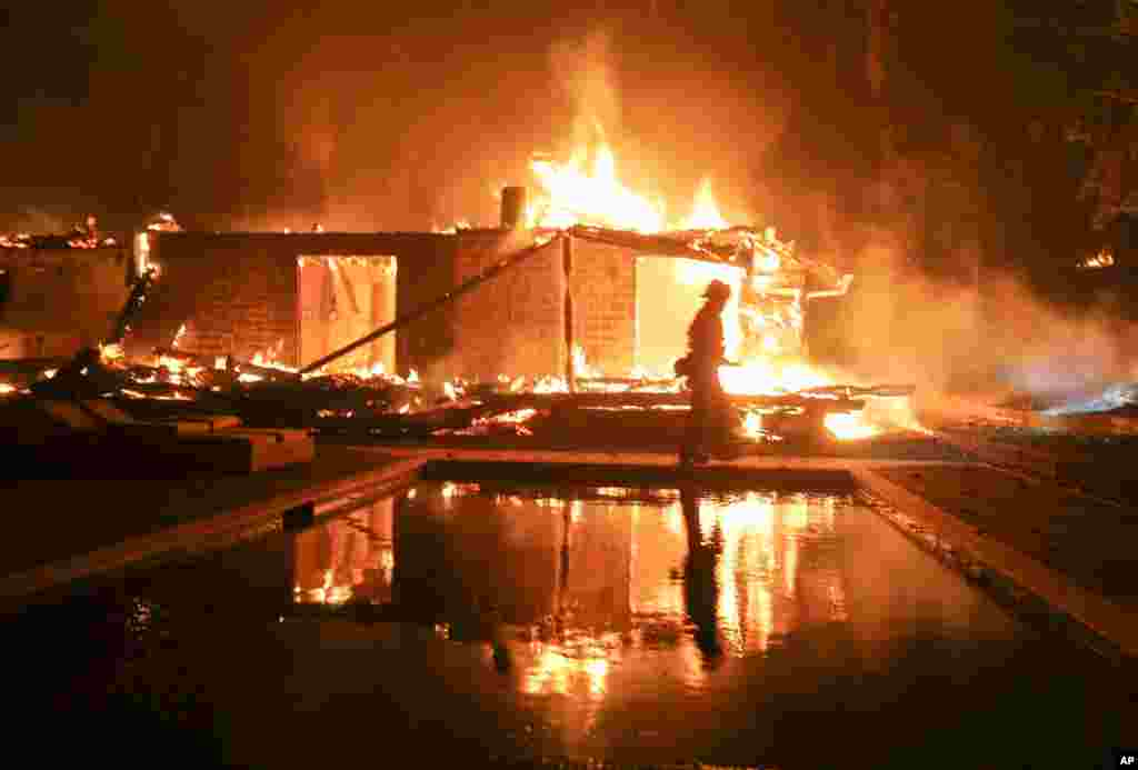 Губернатор региона уже попросил у президента Дональда Трампа больше средств из федерального бюджета и людей для помощи в тушении пожара