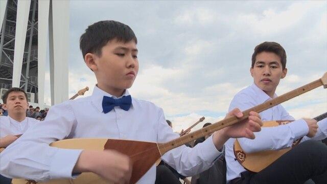 Programme: В Казахстане пострадавшие от действий полицейских планируют подать иски в суд. Сотрудницы бишкекского реабилитационного центра ездят по городам России и возвращают на родину брошенных детей мигрантов. В Казахстане впервые отметили национальный день домбры