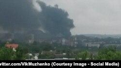 Обстрел Марьинки в окрестностях Донецка, фото 3 июня 2015 года