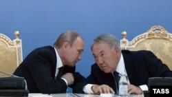 Владимир Путин и президент Казахстана Нурсултан Назарбаев в Атырау, сентябрь 2014 года