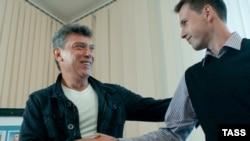 Борис Немцов со своим соавтором Леонидом Мартынюком