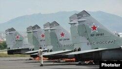 Истребители МИГ-29 в Ереване