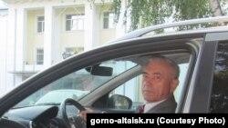 Кандидат на должность главы Республики Алтай Владимир Петров