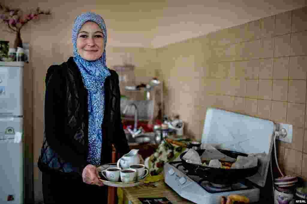 Дом Мириам и Эмир-Усейна впервые обыскали в апреле прошлого года. Эмир-Усейн – член Крымской контактной группы, которая занимается поиском этнических татар, пропавших без вести