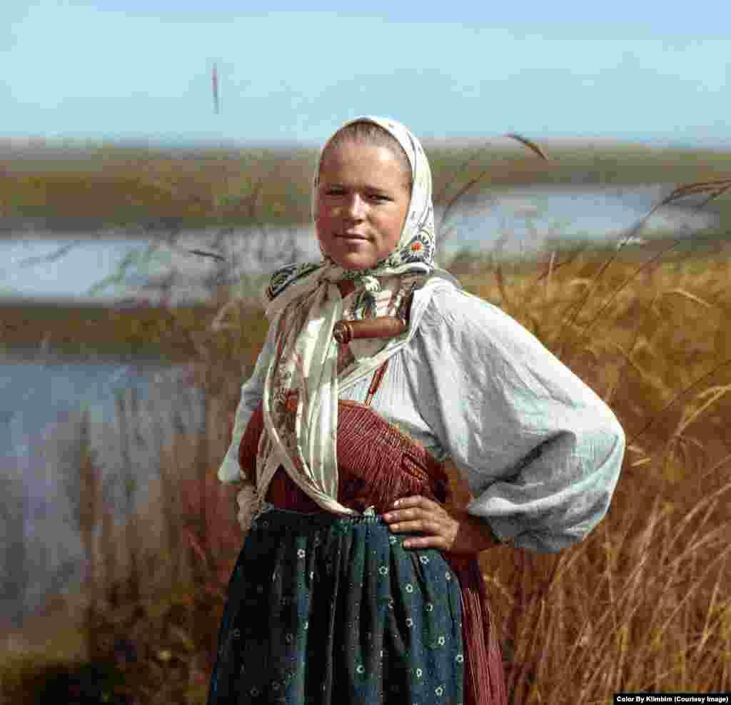 На фото – юная крестьянка, 1914-1915 годы
